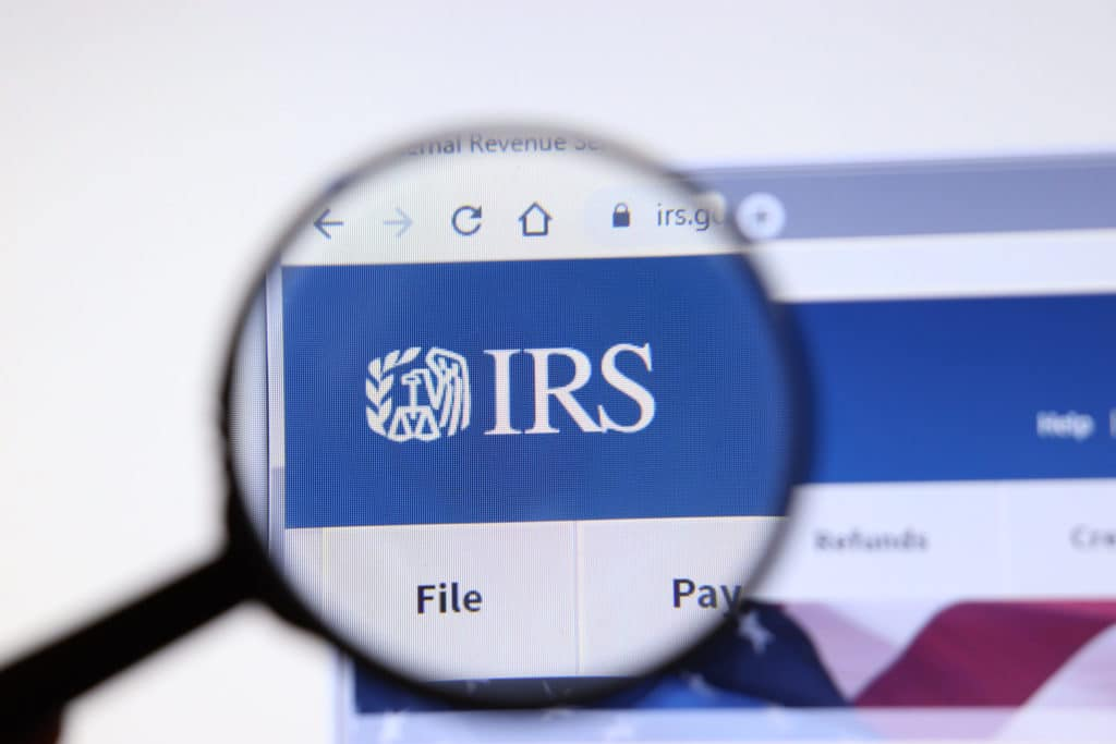 Large Cash Transactions With Your Business Must Be Reported to the IRS